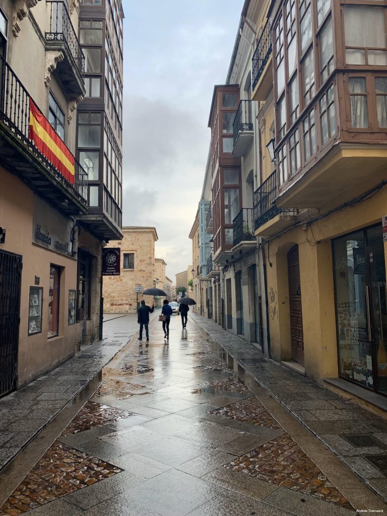 Zamora in the rain after Vetriano