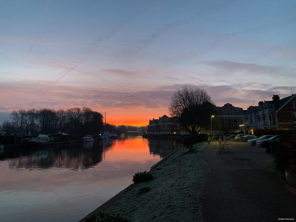 Thames Path at dawn